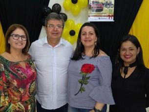 Empresários prestigiam Café da ACIAG