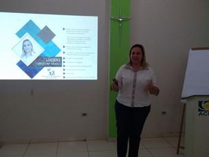 Master Coach Luciene Tavares ministra palestra na ACIAG