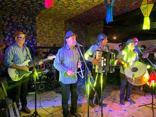 Forró Pau no Xote reúne amigos e fãs em uma linda festa