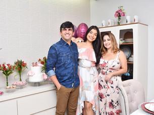 Bárbara Simões celebra seus 18 anos em grande estilo com a Leve e Celebre