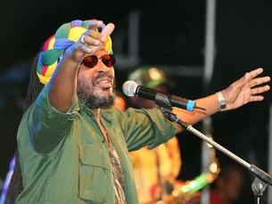 Edson Gomes traz seu reggae para o Arena Concept
