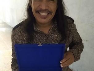Ed Carlos recebe homenagem da ALEPE  pelos 30 anos de carreira
