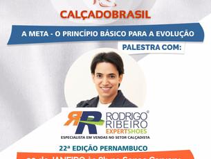 Rodrigo Ribeiro ministra palestra no SENAC Caruaru, dentro da programação da 22ª Feira CALÇADOBRASIL