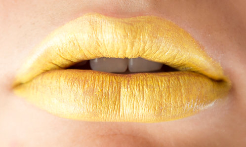LEMON LUST YELLOW LIPSTICK 24PCS