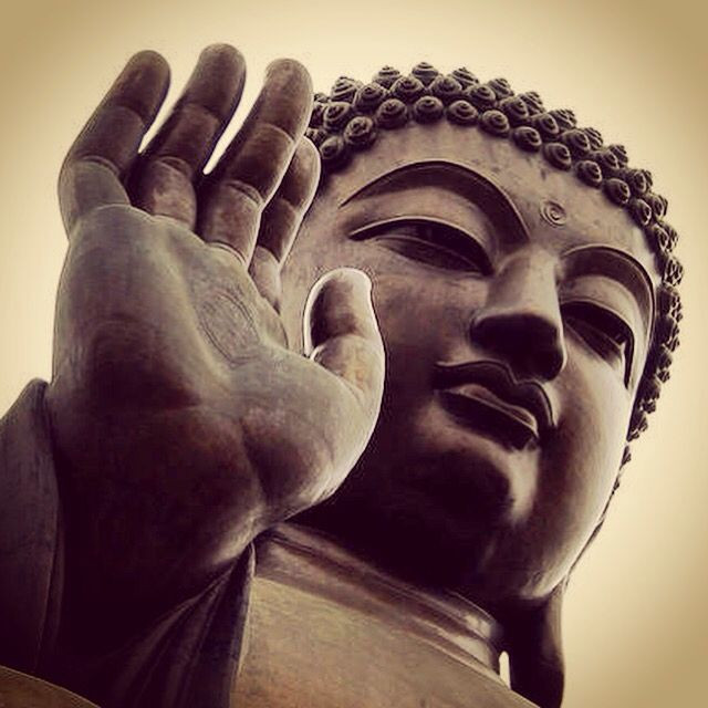 Meaning of Abhaya Mudra in Buddhism