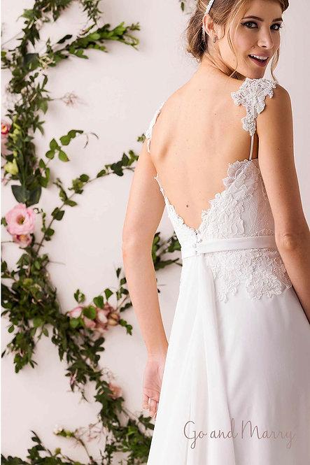 Vestido Ane com Detalhe de Ombro e Bordado Cheio