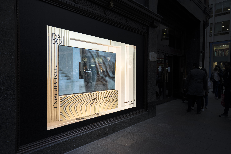 Bang & Olufsen - Window Display