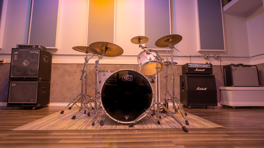 White Pearl Pacific Drum Kit
