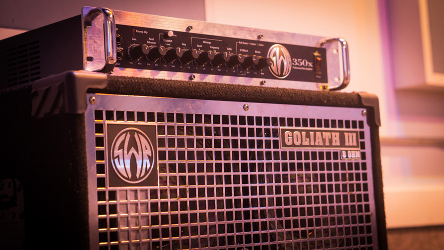 Bass Head/Amp: SWR 350X/SWR Goliath III 1x15