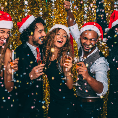Top Inspirational Trends for a Holiday Party in Quarantine