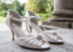 Brides wedding shoes, new forest wedding venue, hampshie wedding venue, wedding venues new forest
