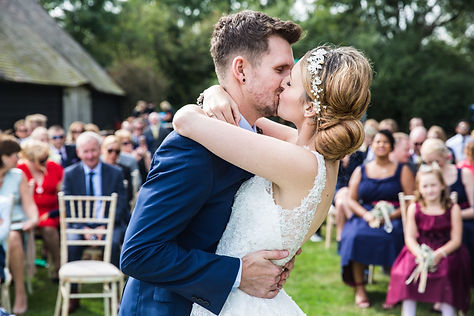 gildings barn wedding, gildigs barn wedding, london wedding, dorking wedding venue