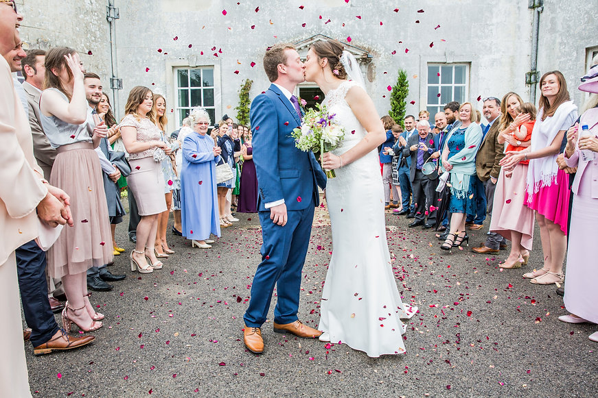 dorset wedding venue, confetti shot, wedding confetti photograph, hampshire wedding venue,