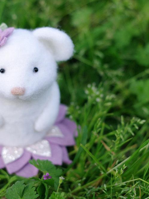 BABY de printemps souricette blanche 🐭💜