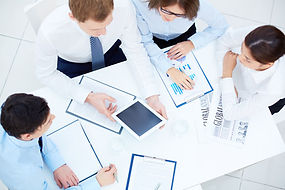 Business people discussion - LUPR Market research