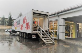 Poland: Mobile Biedronka outlets
