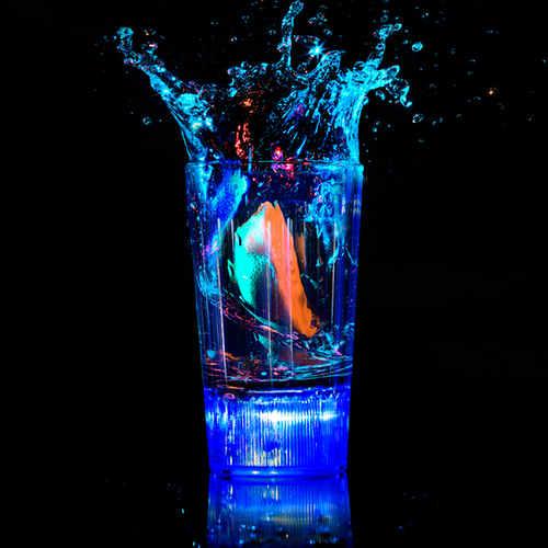 Liquid-Activated-Shot-Glasses-1000_99A89