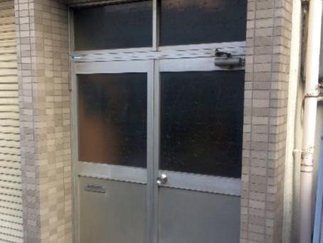 【施工事例】事務所ドアから自宅ドアに交換(大阪市)
