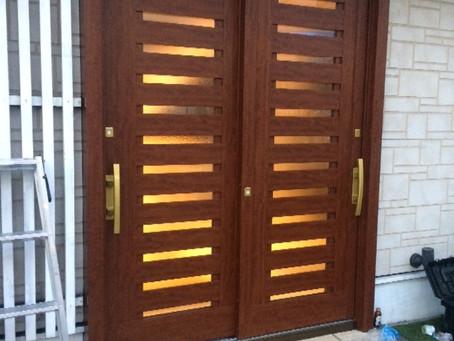 【施工事例】両開きのドアを引戸にリフォーム(八尾市)