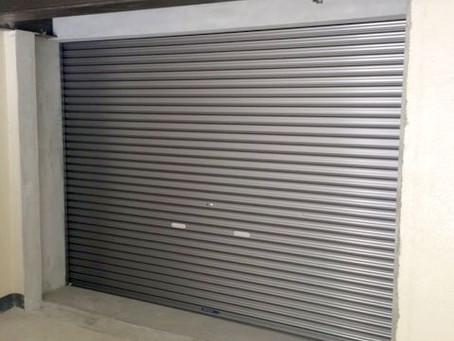 【施工事例】1階空き部屋をシャッター付車庫にリフォーム