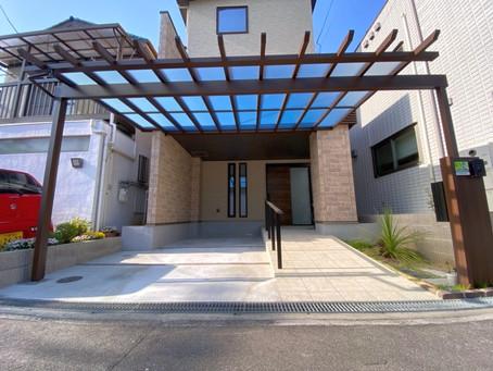 住宅前の駐車スペースにカーポート屋根設置(池田市)