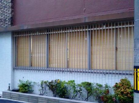 【施工事例】大通りに面した窓に面格子設置(大阪市)