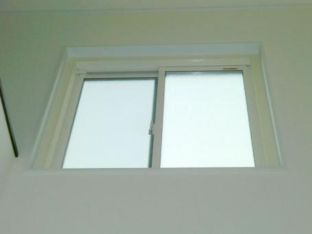 【施工事例】吹き抜けのFIX窓から風を入れる窓に改修