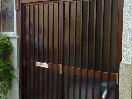 【施工事例】実家のドアが開かない!SOSで引戸交換(池田市)
