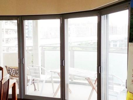 【施工事例】大阪市北区で結露対策・扇形の掃き出し窓に二重窓を設置