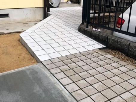 【施工事例】介護リフォーム:玄関前にスロープを設置(三田市)