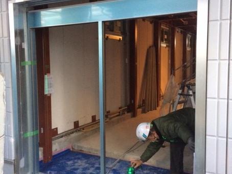 【施工事例】お店のドアをガラスドアに交換(京都市)