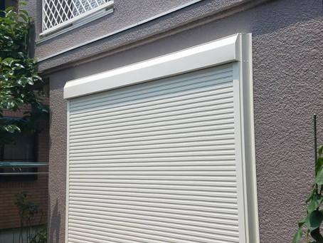 【施工事例】古くなった雨戸を電動シャッターに交換(豊中市)