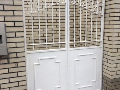 【施工事例】重い鉄製の門扉を修理(箕面市)