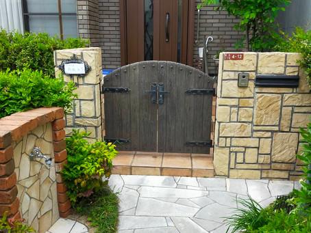 【施工事例】門扉のハンドルとストッパーの修理(豊中市)
