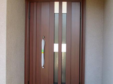 あなたの家の玄関はどのドアが似合うかシュミレーションしてみませんか