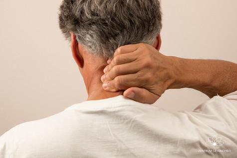 Nackenschmerzen – was tun?