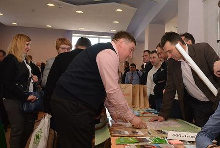 """Генеральный директор ООО """"Технозип"""" Кошелев В.В. (справа)"""