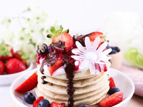 fluffy lemon cake - blueberry pancakes / fluffige Zitronen-Blaubeerkuchen Pancakes
