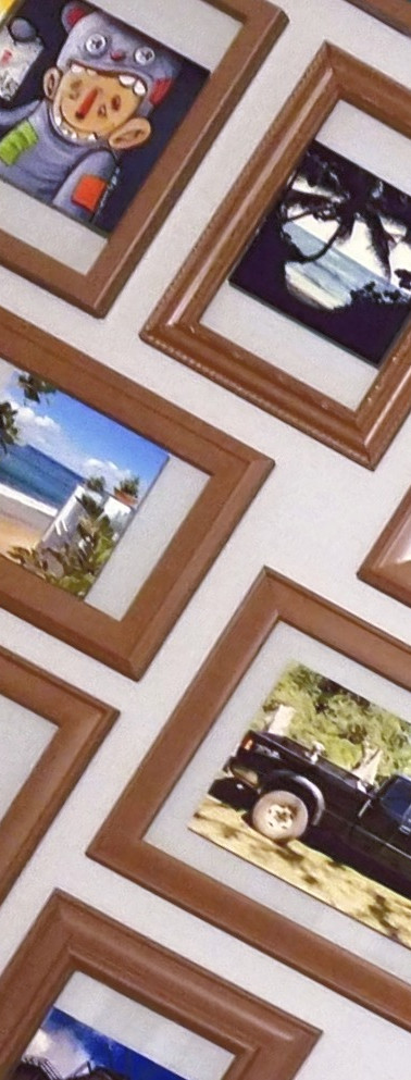 DIY Floating Picture Frames