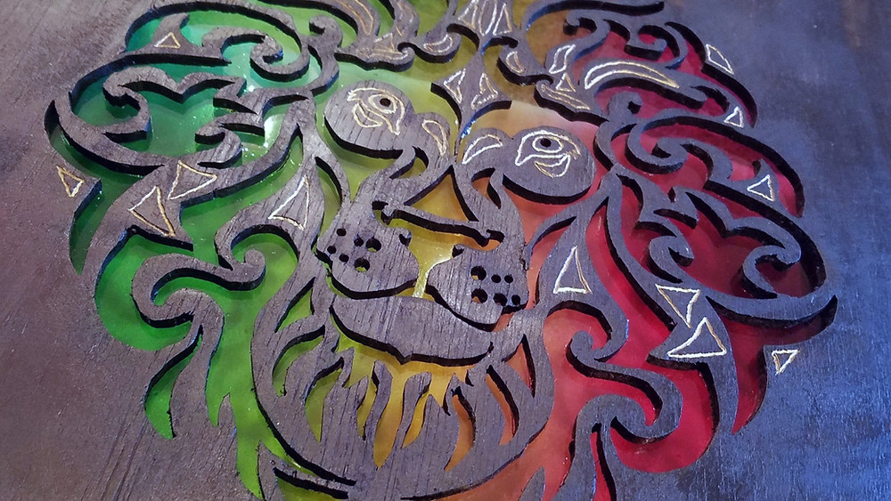 Lion, Rasta, Afrocentric, woodworking, plywood, Dremel, DIY, red, yellow, green, black, plexiglass, gold, PlayStation 4, PlayStation 5