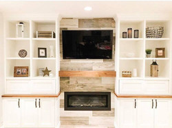 Fireplace & Build Ins