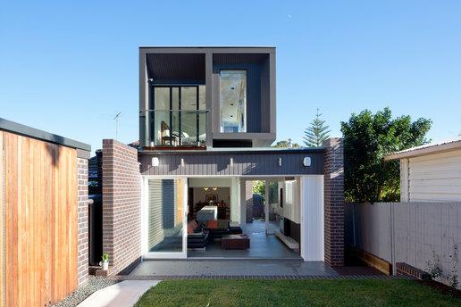 AJH+_ G HOUSE