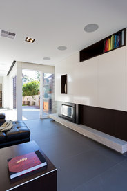 AJH+ G HOUSE