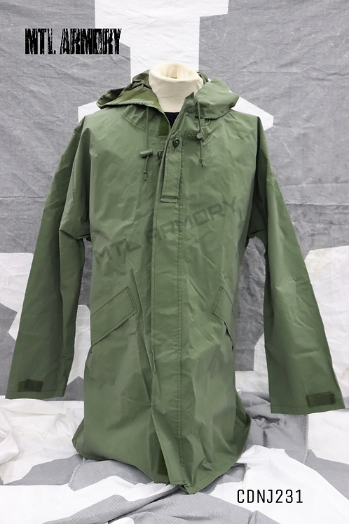 CANADIAN ISSUED GREEN RAIN JACKET SIZE 7340
