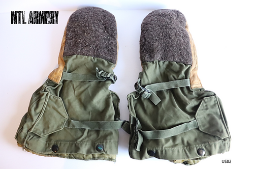 US MILITARY ISSUED ARTIC ECW MITTENS WITH LINER