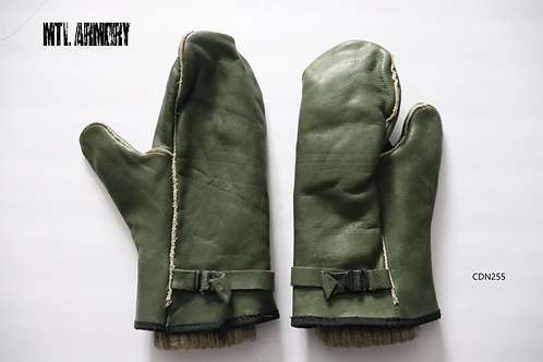 CANADIAN FORCES GREEN LEATHER MITTENS WITH WOOL LINERS SIZE LARGE