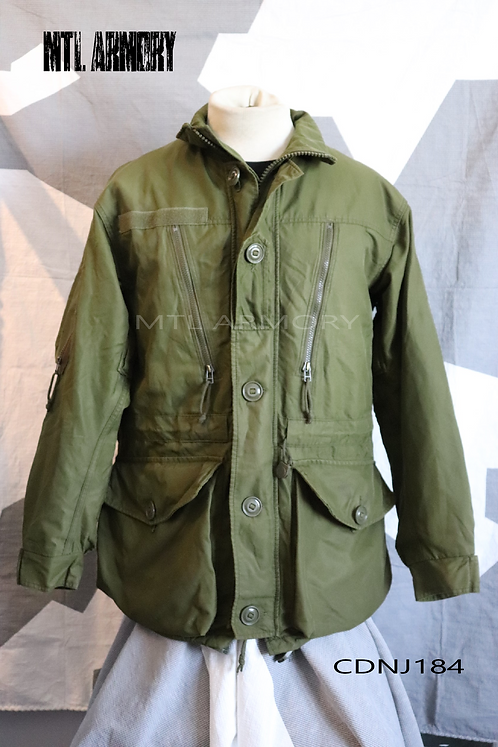 CANADIAN ISSUED GREEN GORE-TEX JACKET SIZE 7040