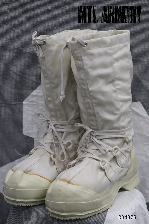 CANADIAN MUKLUK BOOTS SIZE9