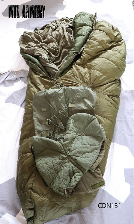 CANADIAN FORCES COLD WEATHER 5 PCS SLEEPING BAG SET