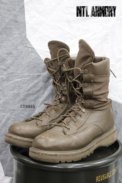 CANADIAN FORCES BROWN COMBAT BOOTS SIZE ( 235 / 88 )